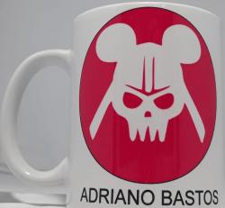Caneca Adriano Bastos